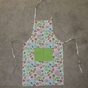 Apron, whimsical flower pattern, never been used